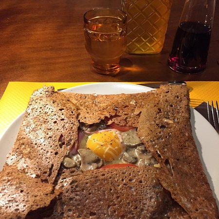 Crêperie with fantastic decoration, must go when in Voiron