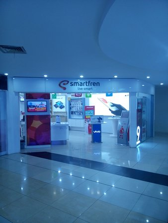 Metropolitan Mall Bekasi: There are Smartfren Gallery. The other is Indosat Gallery.