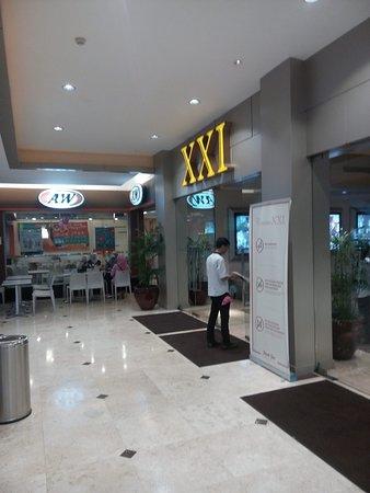 Metropolitan Mall Bekasi: XXI Cinemas near AW.