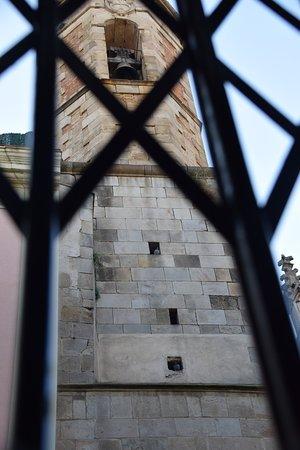 Hostal Fernando: Ausblick vom Hotelzimmer auf die Kirche