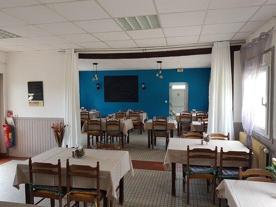 Vallon-en-Sully, Frankrike: notre salle