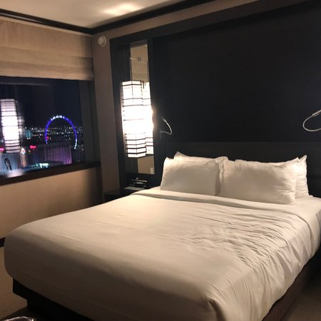 Four star hotel with five star view!