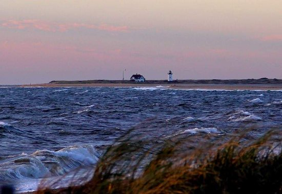 Race Point Lighthouse : from the remote beach..