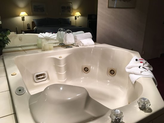 Hurley, WI: Jacuzzi Suite