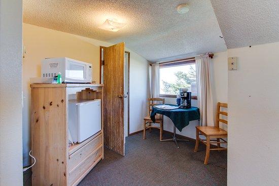 Pictures of Cape Cod Cottages - Waldport Photos