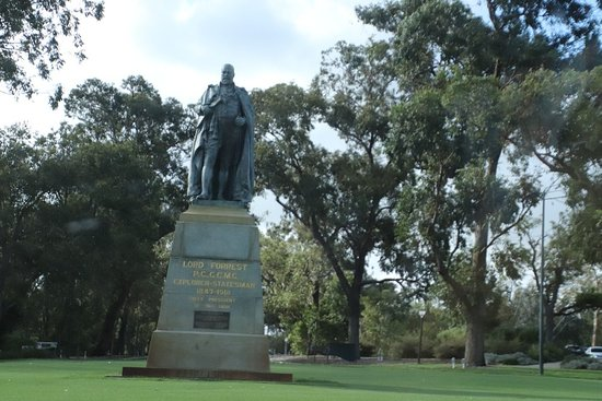 Statue of Lord Forrest