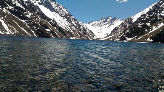 Ski Portillo Centro de Esquí: Lago em Portillo