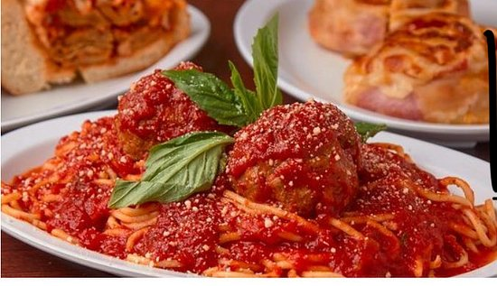 North Bellmore, NY: Spaghetti   And meatballs
