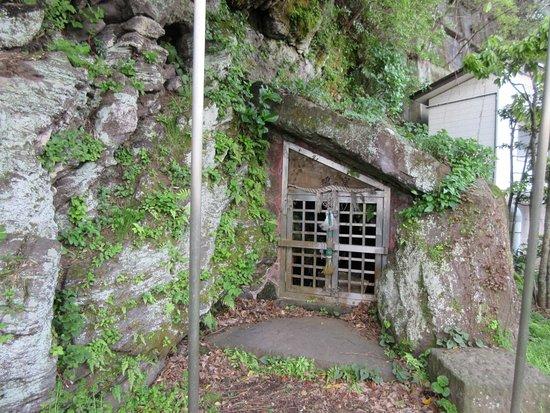 Shitodono Iwaya Caves