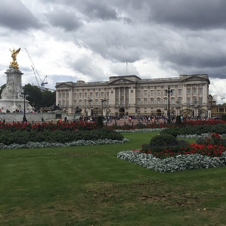 Summer State Rooms Tour:  The Ultimate English Experience