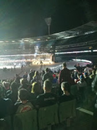 Melbourne Cricket Ground (MCG): Crowd shot of wwe pay per view event