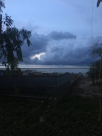 Prey Veng, Camboja: View from balcony