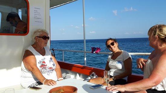 Rofos Boat: En compagnie de notre hôtesse