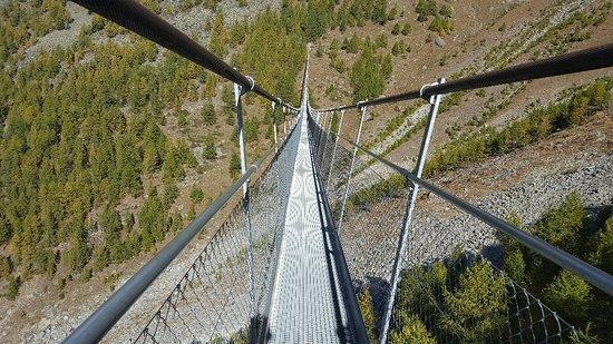 Randa, Suiza: Suspension bridge