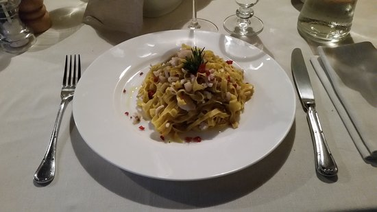 Serravalle Langhe, Italien: Primo con pesce
