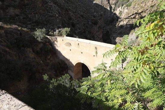 Puente Nazari de Tablate