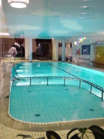 Egg am See, Austria: piscine intérieure