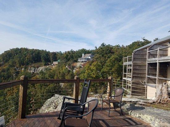 Duff, TN: McCloud Mountain Restaurant