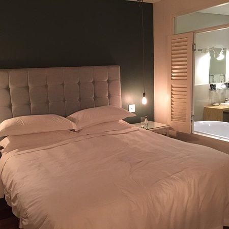 More Quarters Hotel Photo