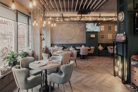 Lampa Cafe
