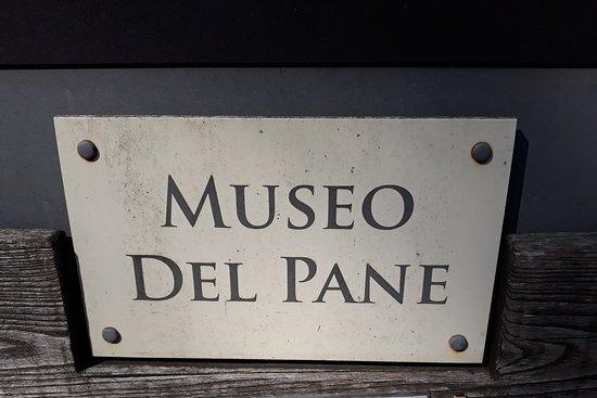 Frontino, อิตาลี: Insegna del museo all'entrata