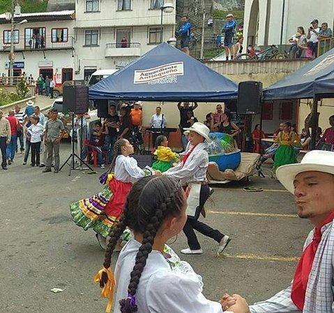 Las fiestas de Balboa son tradicionales y representa sus tradiciones cafeteras y agronomas