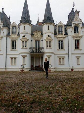 Chateau de la Motte: NONconforma àla Box
