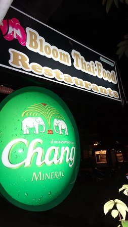 Bang Niang Beach, Thaïlande: Bloom Cocktail & Restaurant