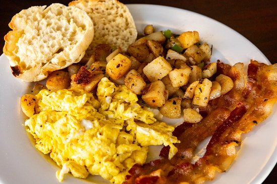 Boundary Street Cafe: Our Traditional Plantation Breakfast