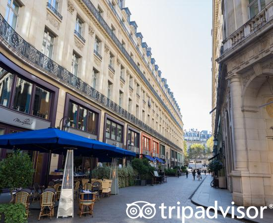 Street at the Hotel Indigo Paris - Opera