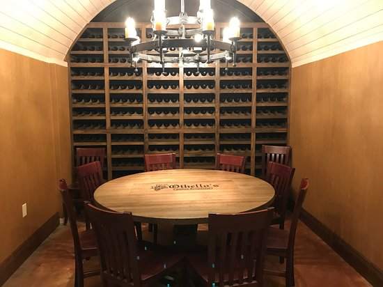 Othello's Italian Restaurant: Reserve our Wine Room, perfect for a group of 8!