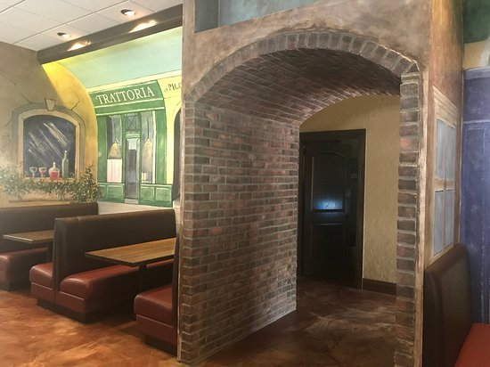 Othello's Italian Restaurant: New interior layour at Othello's
