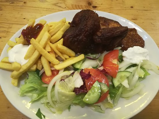 ½ Kylling Med Ris Salat Og Kompot Bild Von Hühnerhaus Berlin