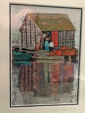 Lunenburg, Canada: Laurie Swim print of a boat house - not the reflection!!