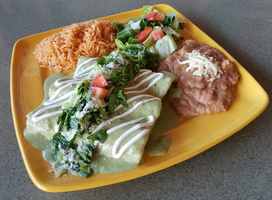 La Puente, Калифорния: Enchiladas Suizas - Filled with CHicken or Shrimp and Covered in a Creamy Pasilla Sauce