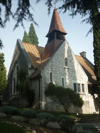 Gardone Riviera, Italy: la bella chiesa evangelica