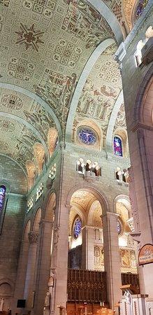 Sanctuaire Sainte-Anne-de-Beaupré: 20180701_141933_large.jpg