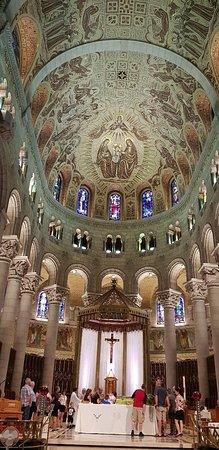 Sanctuaire Sainte-Anne-de-Beaupré: 20180701_142607_large.jpg