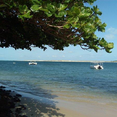 Barra do Cunhau: mar tranquilo em frente Baia Formosa