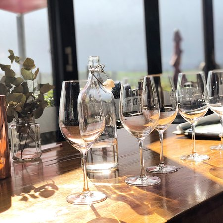 Winebus Winery Tours