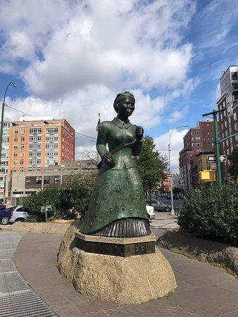 Harlem Historical Food Tour: Harriet Tubman Statue