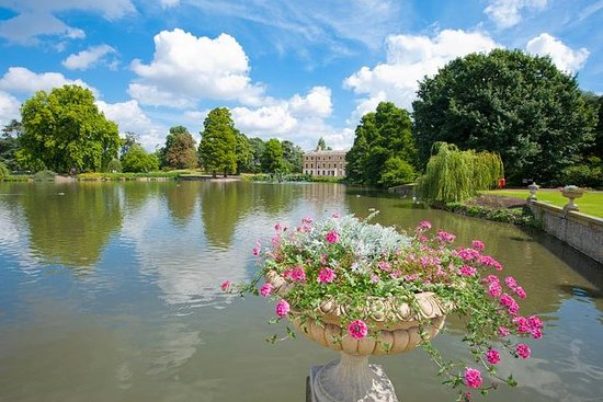 Entrada a los Jardines de Kew