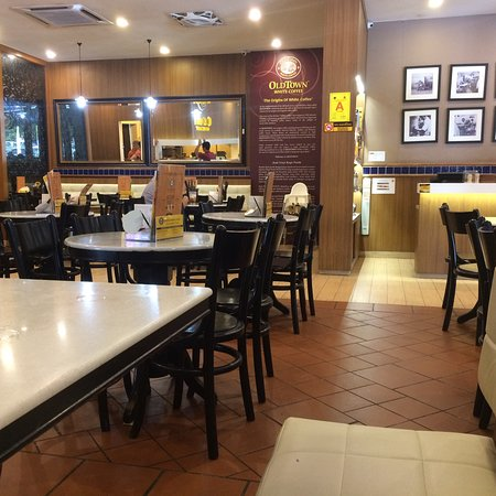 Old Town White Coffee Kompleks Kenari