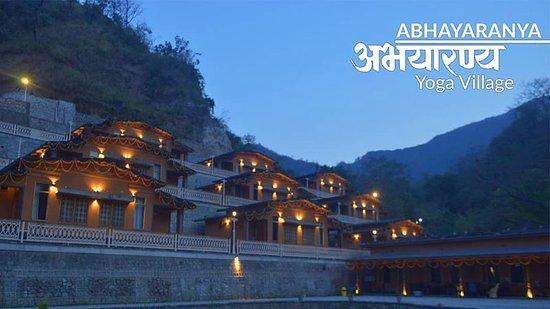 Rishikesh Tourism Area, India: Yoga Village, Abhayaranya - Rishikesh Yogpeeth