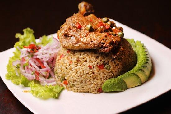 Trebol Cafe & Restaurant: Si hay un plato que nos representa .Este es el Arroz con pato. Disfrutalo