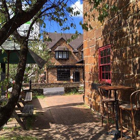 Kings Bridge Bar & Restaurant Photo