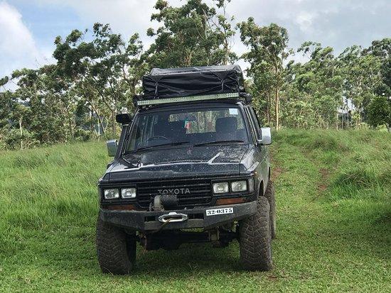Sri Lanka Banee Tours:   4x4 Jeep Tours in Sri Lanka