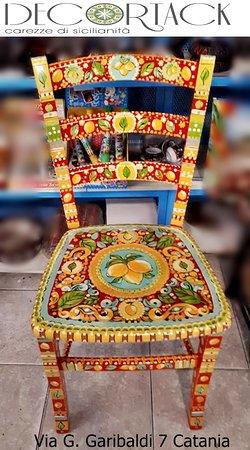 Sedia Con Decori Siciliani Dipinti A Mano Foto Di Decortack Sicilia Tripadvisor