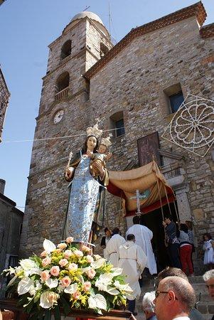 Vaglio Basilicata, Italie : Veduta esterna della chiesa Madre, intitolata a San Pietro apostolo, ha origini nel 1500