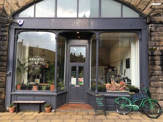 Gateshead, UK: Shop Front